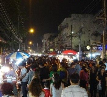 Chiang Mai's Saturday Walking Market - Crowds