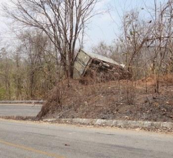 crashed truck Mae Hong Son to Pai