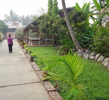 Villa Suan Maak - The Walk Way From The Villas To The Road