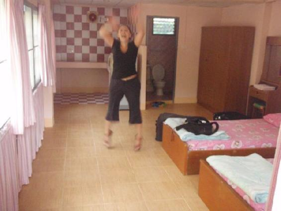 happy days in our first Chiang Mai apartment