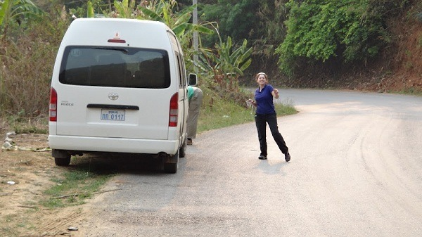 Off The Bus - Tanya Doing The In The Middle Of The Road Dance