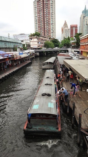 Get On And Off The Canal Boats In Bangkok Quickly