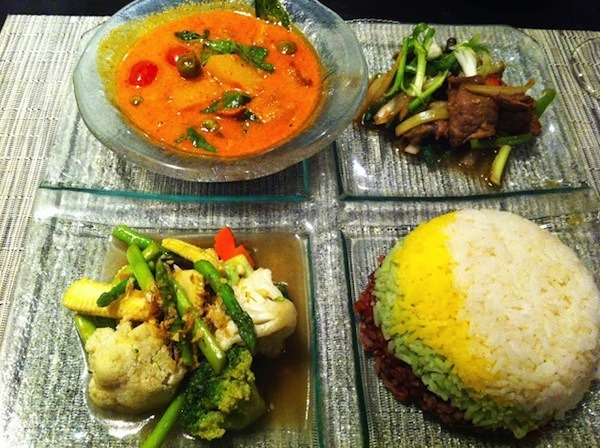 Thai on 4 - Gaeng Phed Ped Yang, Nua San Phad Sauce Prik Thai-On, Phad Phak Tang Chanid - Amari Watergate Bangkok