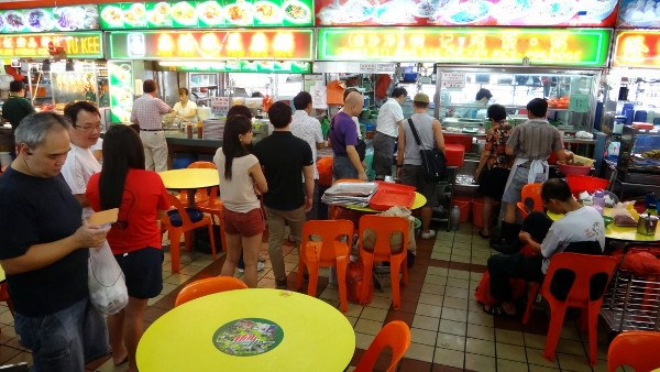 queue for the best chicken rice in Singapore