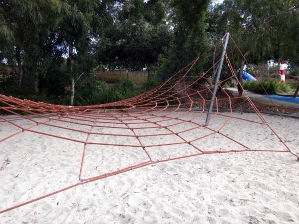 dr-seuss-park-climbing-ropes