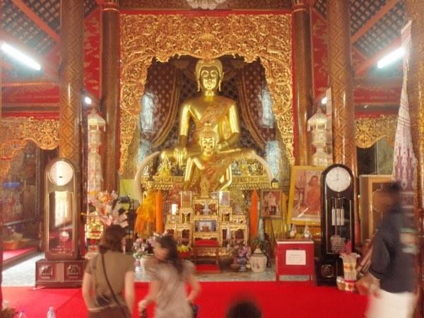 buddhist temple chiang mai thailand