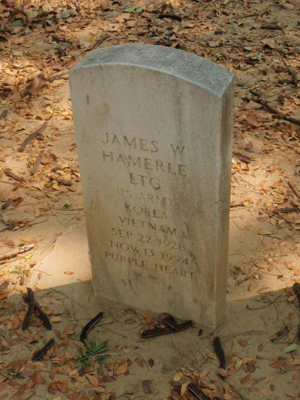grave farang ceremetery chiang mai thailand korean vietnam war