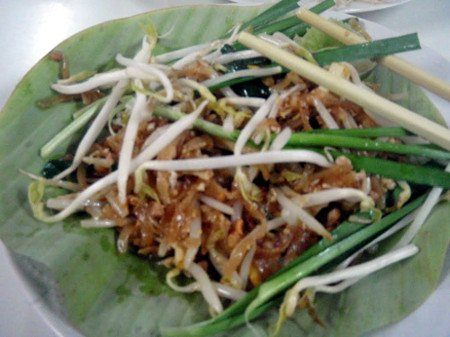 a favorite thai food, pad thai